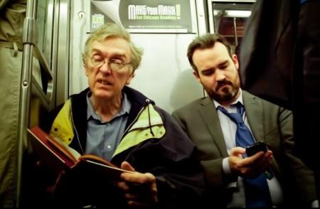 Dos generaciones en el metro