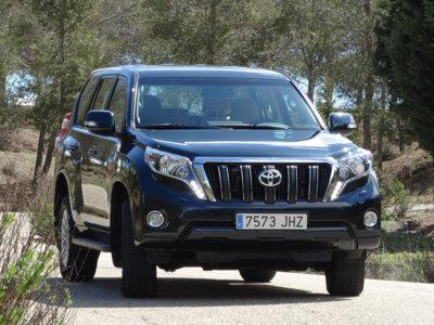 Cómo es el Toyota Land Cruiser 180D en su hábitat: lo probamos entre barro y off-road