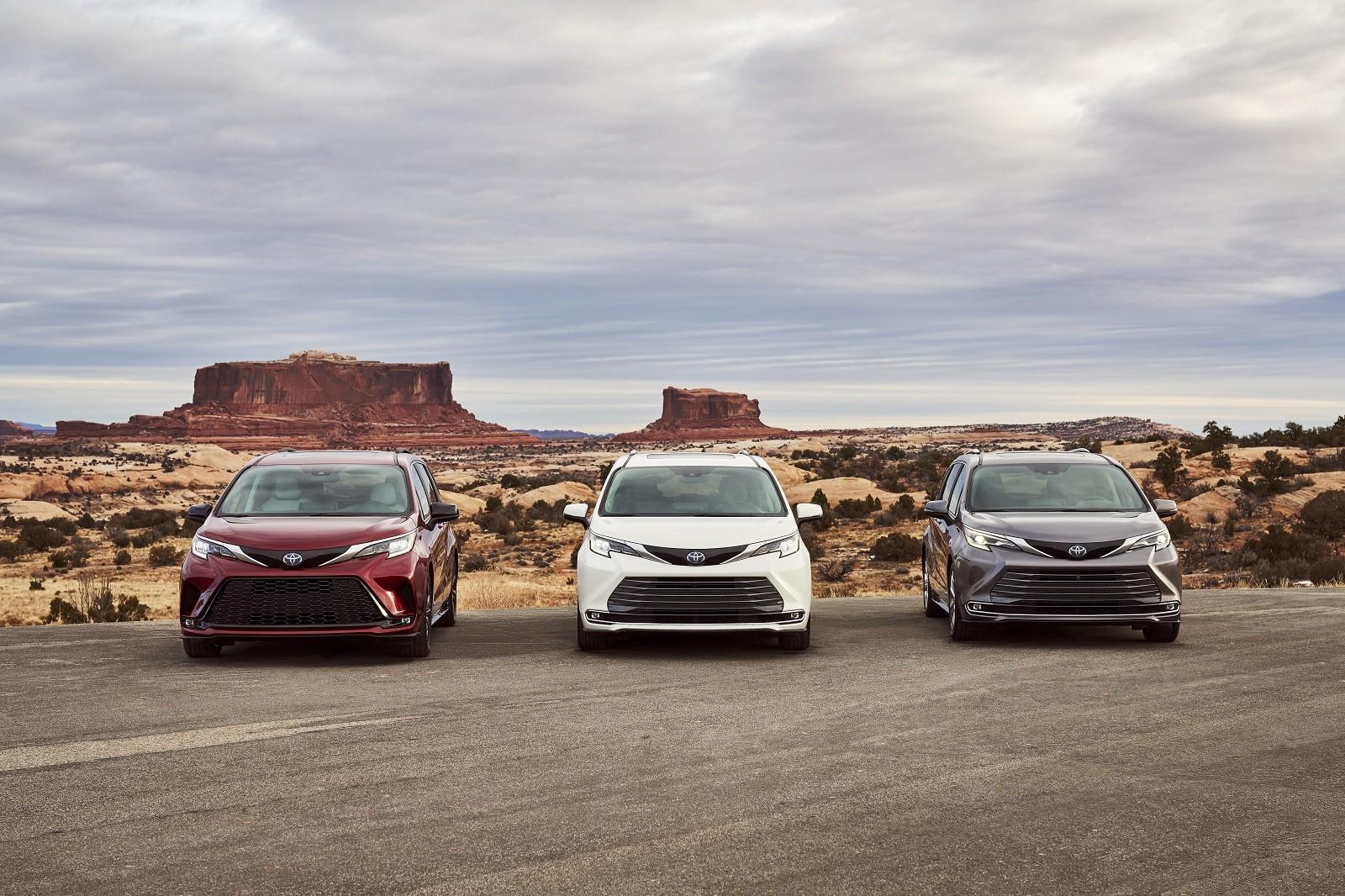 Foto de Toyota Sienna 2021 (12/30)