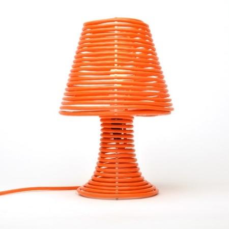Curiosa lámpara enredada