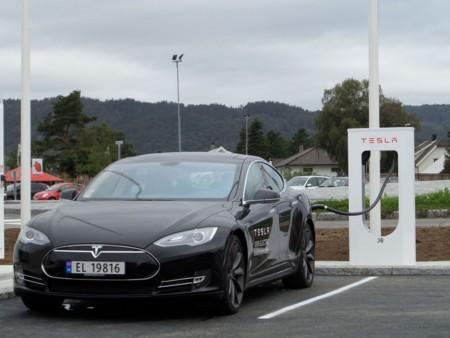 Tesla quiere tener para finales de 2016 cubierta toda Europa con su red de supercargadores