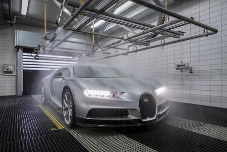 Bugatti Chiron lluvia laboratorio