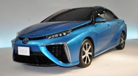 Toyota tiene un plan para eliminar prácticamente con todos sus coches de gasolina en 2050