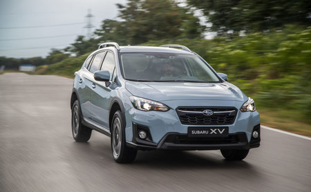 Subaru XV frontal lateral