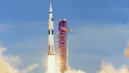 Cuando la NASA tuvo que pedirle ayuda a unos surfistas para llevar al hombre a la Luna