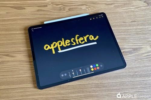Paperlike hace que escribir en el iPad parezca en papel y evitando reflejos, aunque con concesiones