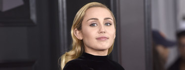 Miley Cyrus vuelve a la alfombra roja de los Grammys 2018 con un (gran) look wet