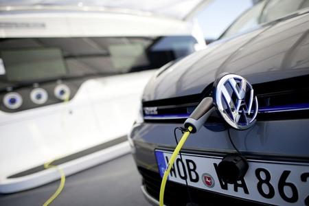 El invierno se ceba con las ventas de eléctricos en EEUU, pero no en Europa