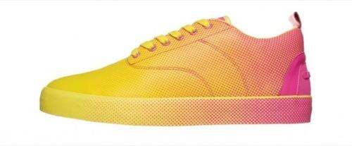 Foto de Lacoste y sus zapatillas puntillistas (2/3)