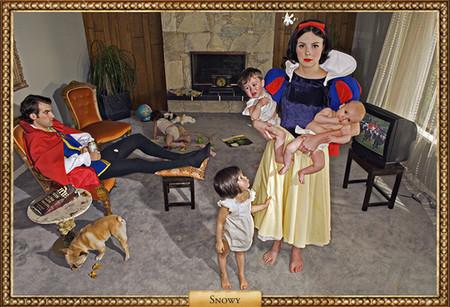 Y Blancanieves fue madre y su príncipe resultó no ser azul