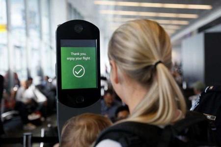 Ya existen aeropuertos en los que embarcas gracias al reconocimiento facial, adiós a la tarjeta de embarque