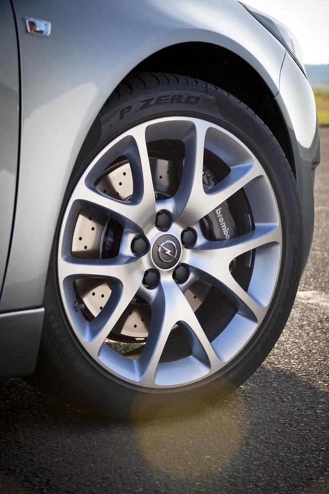 Foto de Opel Insignia OPC 2014 (8/40)