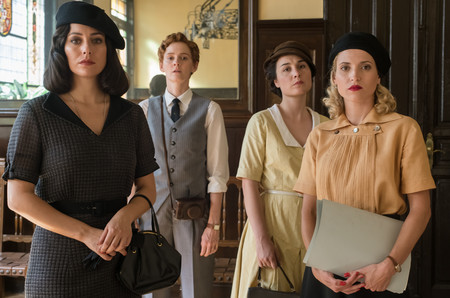 Netflix estrenará la temporada final de 'Las chicas del cable' en febrero (y ya sabemos algunos detalles de la trama)