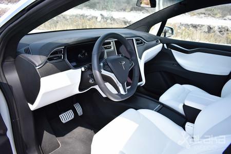 Tesla Model X Mexico 04