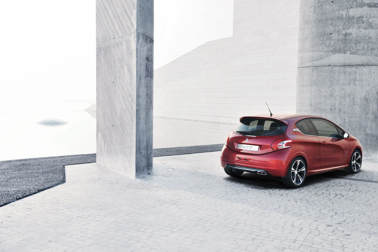 Foto de Peugeot 208 GTi Concept (2/21)