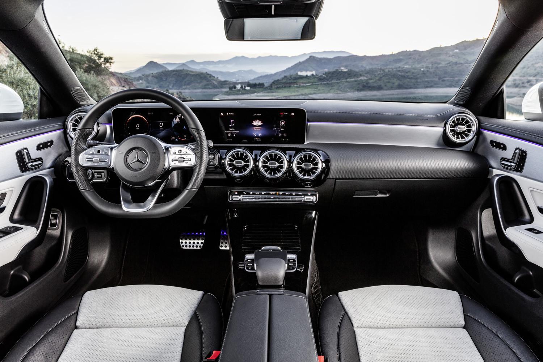 Foto de Mercedes-Benz CLA Shooting Brake 2019 (11/49)
