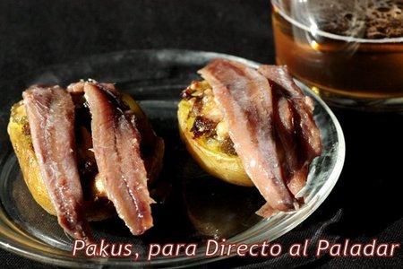 Pincho de patatas asadas con pesto y anchoas. Receta