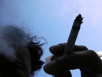 Al prohibir fumar en el trabajo, menos riesgo de parto prematuro y bajo peso al nacer