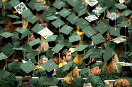 Tanto cobras, tanto pagas por tu educación: el modelo de deuda estudiantil de Silicon Valley