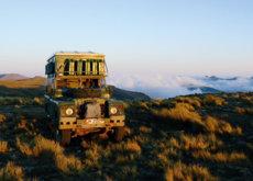 Da una vuelta al mundo en un Land Rover Defender de 1975 y ahora lo cuenta en su libro