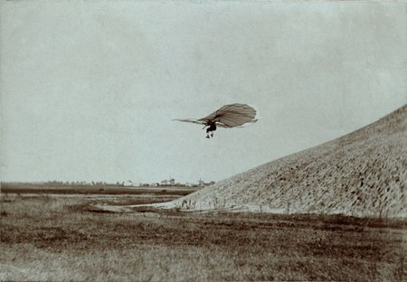 1024px-otto_lilienthal_gliding_experiment_ppmsca.02546.jpg