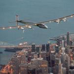 Ya tenemos a Solar Impulse 2 en Sevilla, ha cruzado el Atlántico con la energía del sol [Actualizado]