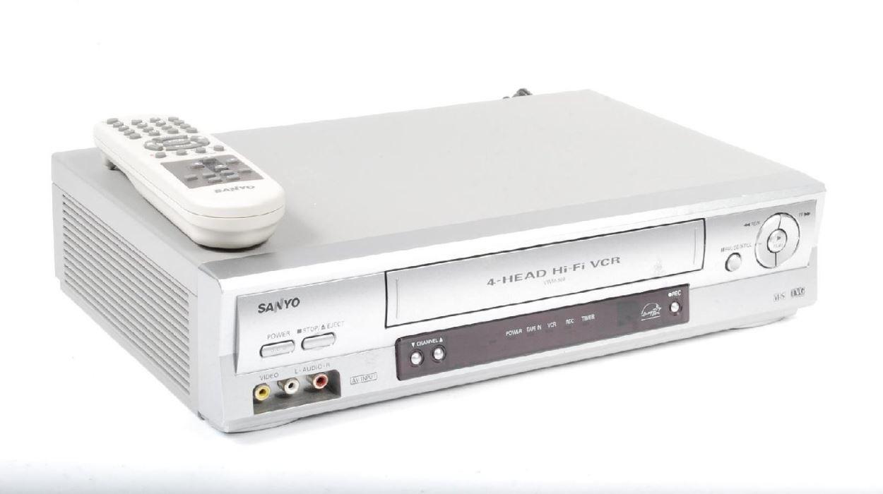 3be035706 Ahora si es oficial  el reproductor de vídeo ha muerto. ¡Larga vida al VCR!