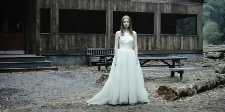 Un vestido de novia, una urna... El tráiler de Netflix de la segunda temporada de 'The End of The F***ing World' deja más dudas que respuestas