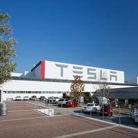 """Tesla ve que la crisis de semiconductores terminará """"a corto plazo"""", pero la realidad le quita la razón"""