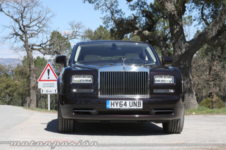 Rolls royce phantom tras probar un coche as no volver s for Trazado sinuoso