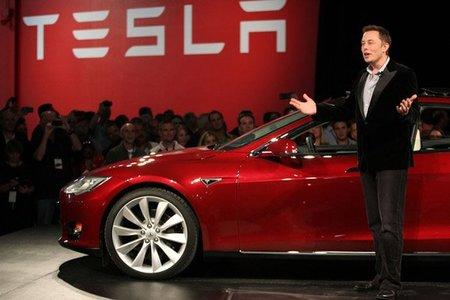 Tesla abre las puertas de su fábrica a los fans, y confirma nuevas informaciones del Model S