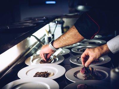 Desde 600 hasta más de 10.000 euros al mes: ¿Cuánto gana un chef?