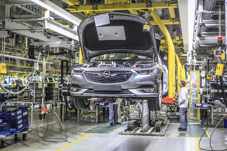 Fabrica Opel 02