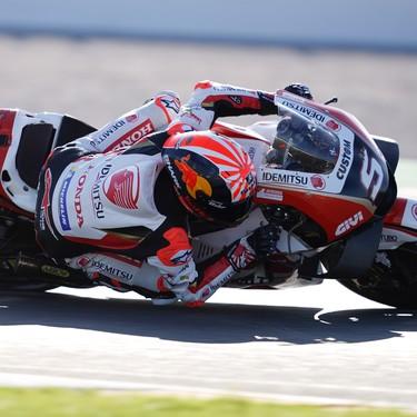 ¡Escalofriante! La moto de Iker Lecuona atropelló a Johann Zarco mientras estaba en la grava