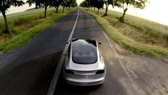 Model 3 En Carretera