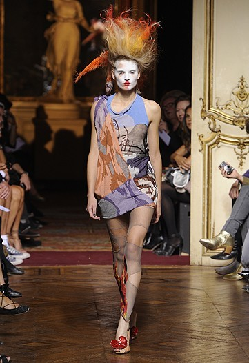 Foto de Vivienne Westwood Primavera-Verano 2010 en la Semana de la Moda de París (1/21)