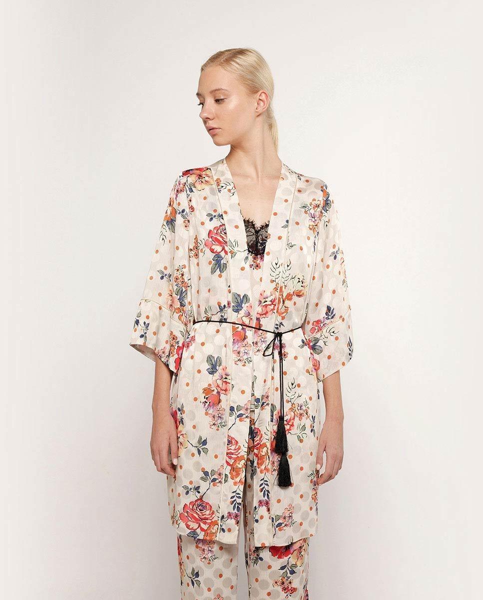 Bata de mujer corta con estampado florar y manga francesa