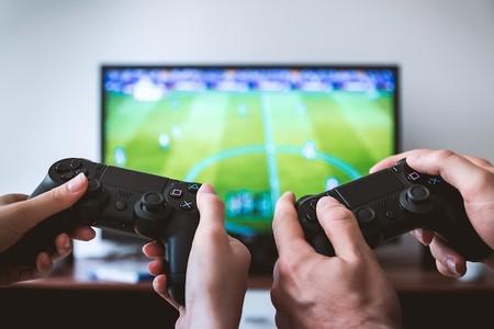 Los 27 videojuegos que el equipo de Xataka recomienda para retomar y descubrir este verano
