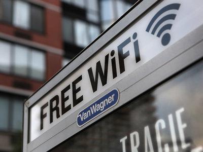 22.000 personas aceptaron lavar baños públicos a cambio de WiFi gratis: no, nadie lee los términos y condiciones
