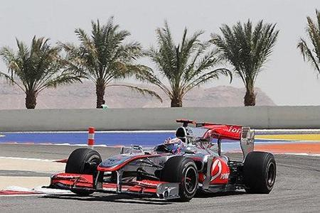 Lewis Hamilton y Jenson Button segundo y tercero en los segundos libres del GP de Bahréin