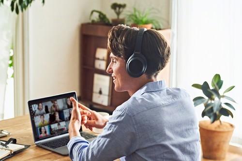 Los nuevos audífonos Sony WH-1000XM4 son el rival a vencer: inteligencia artificial que ajusta el sonido ambiental automáticamente