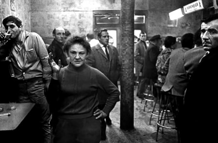 'Café Lehmitz', el icónico trabajo de Anders Petersen, por fin disponible en español