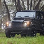 Un Land Rover Defender especial, que esconde un secreto: monta un motor Chevrolet V8 LS3