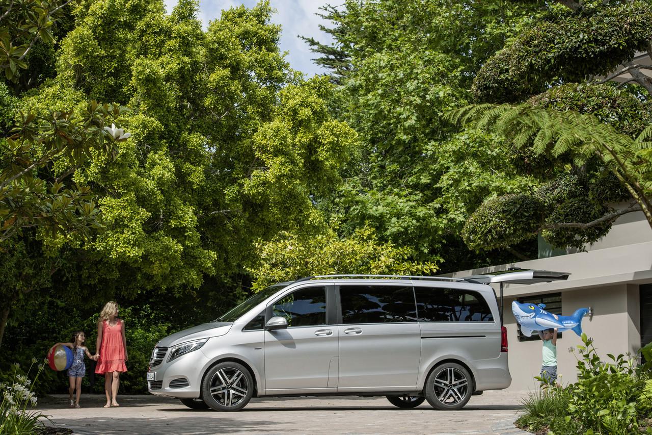 Mercedes benz clase v 14 49 for Mercedes benz of barrington