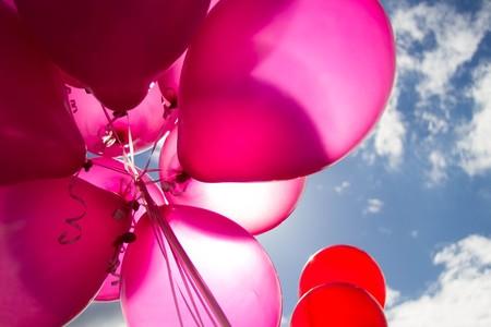 """""""En el día de tu cumpleaños, soplaré las velas por ti"""", el precioso homenaje de unos padres a su bebé estrella"""