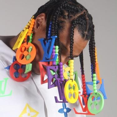 Pedrería de cristal, bloques de Lego y ahora el logo de Louis Vuitton. Las trenzas de este rapero no dejan indiferente a nadie