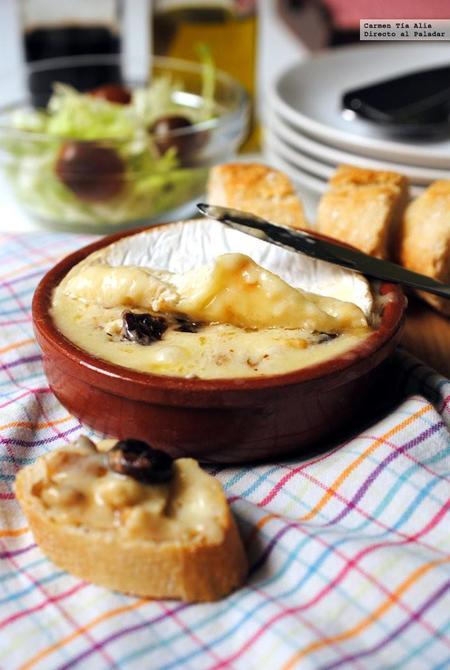 Queso camembert relleno de frutos secos. Receta fácil y rápida