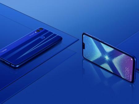 El lado malo de los diseños sin marcos: estamos volviendo a los móviles enormes de 2010