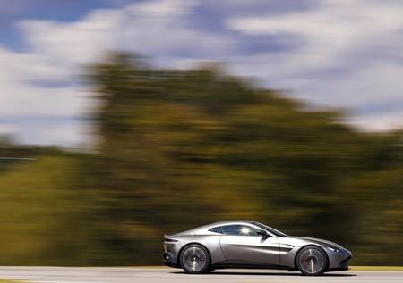 Aston Martin Vantage 2019 1600 0c
