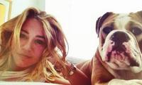 Miley Cyrus la mejor amiga de su perros ¡guau, guau!
